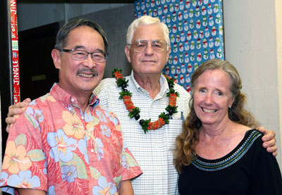 Mr. Ted Murphy (center) with Dr. Alan Lau and Dr. Patricia Couvillon.  (Photo credit: Dave Au).